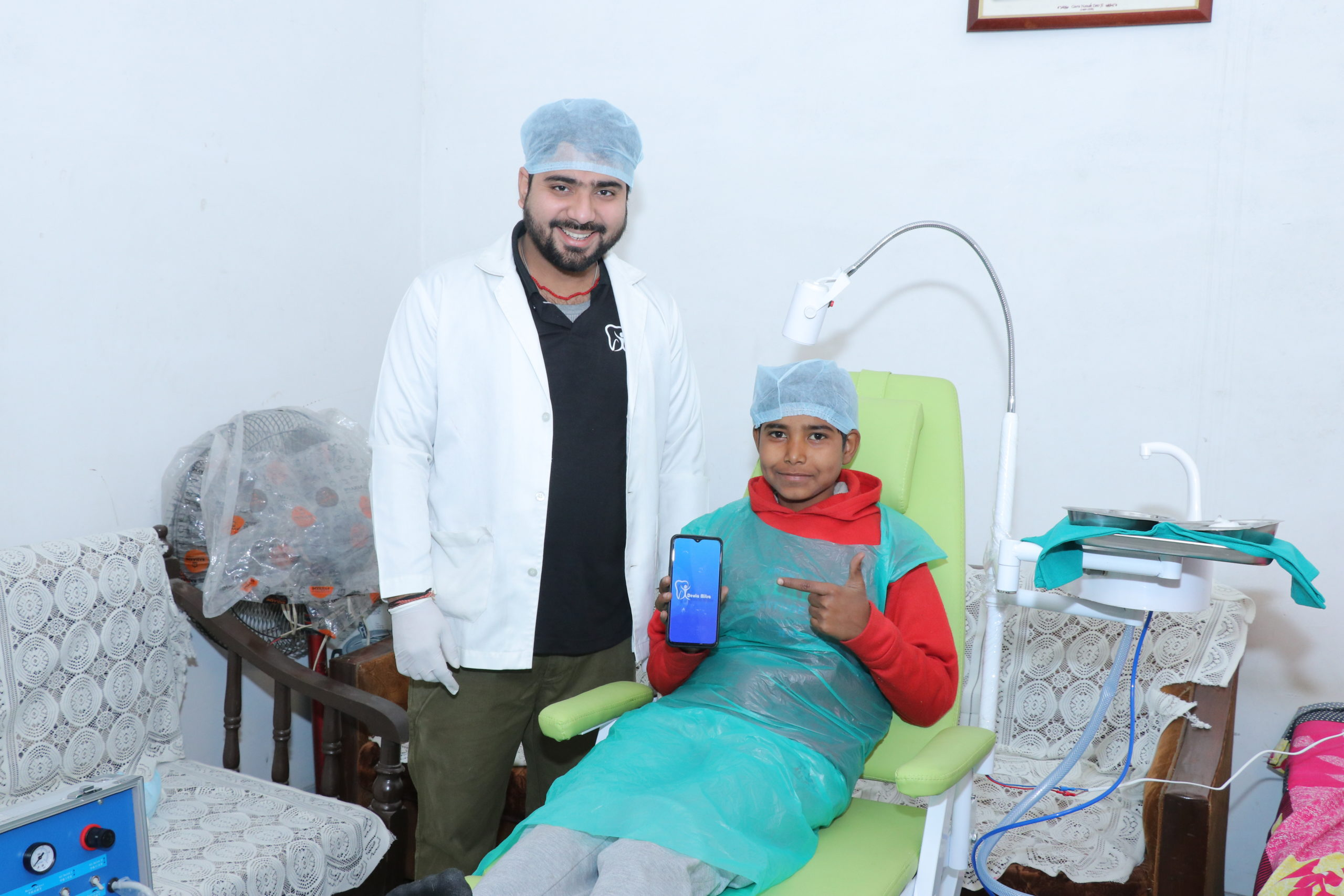 Denta Mitra brings a Dentist to your home and offers 24×7 video consultation